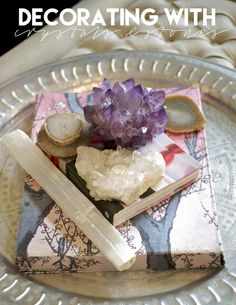 Blissful Living: decorating with amethyst for spiritual glamour — The Decorista Crystals And Gemstones, Stones And Crystals, Gem Stones, Rooms Ideas, Bedroom Ideas, Feng Shui Crystals, Crystal Decor, Crystal Room, Crystal Altar