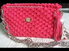 Bolsa de Crochê para Festa com Fio de Malha ou Trapilho, parte 2 - YouTube Crochet Clutch Pattern, Crochet Pouch, Crochet Handbags, Crochet Purses, Chevron Purse, Yarn Bag, Crochet Videos, Pouch Bag, Knit Patterns