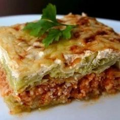 European Dishes, Hungarian Recipes, Hungarian Food, Lasagna, Meal Planning, Slow Cooker, Bacon, Food And Drink, Meals