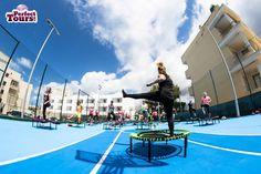 Sommer – Sonne – Strand(figur): Aktuell trainieren begeisterte bellicon Nutzer im Fitnesscamp von Perfect Tours an einem der schönsten Spots Mallorcas und schicken uns sonnige Grüße von der Insel.