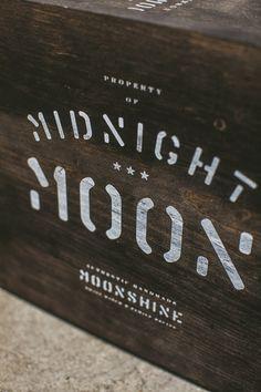 Device_MidnightMoonArtistBox_02.jpg