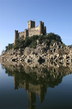 Knights Templar:  Almourol Castle, Portugal, was once a #Knights #Templar stronghold during the Reconquista.