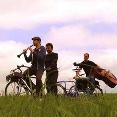 Das an der Hochschule Luzern entstandene Kimm Trio fährt mit Sack und Pack durch die Deutschschweiz. Möglich sei das aber nur mit E-Bikes.