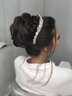 Gorgeous Wedding Hairstyles Half up Half down – Chignon – Hair Styles Quince Hairstyles, Wedding Tiara Hairstyles, Chignon Wedding, Wedding Hairstyles Tutorial, Quinceanera Hairstyles, Hairdo Wedding, Bridal Hair Updo, Crown Hairstyles, Wedding Hair And Makeup