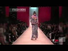A walk worth millions. (Naomi Campbell moments) - YouTube