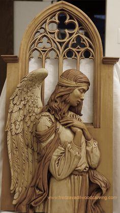 """Angel, relief wood carving - Fred Zavadil Divinos Anjos, emissários e guardiões do amor em suas diversas manifestações, sejam luz e me orientem em minhas preces, sejam como uma águia dotada de visão interior, e de coragem para elevar-se a grandes """"alturas""""; e assim eu tenha perspicácia e me eleve espiritualmente... Lenir Albuq"""
