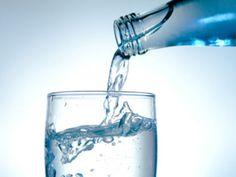 Der große Wasser-Test: nur die Hälfte ist empfehlenswert ist ein Artikel mit neusten Informationen zu einem gesunden Lebensstil. Auch die anderen Artikel von EAT SMARTER bieten Neuigkeiten zu den Themen Ernährung, Gesundheit und Abnehmen.