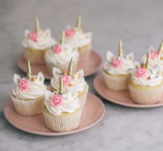 Broccoli and coconut cake - Clean Eating Snacks Unicorn Cupcakes, Birthday Cupcakes, Unicorn Cookies, Unicorn Themed Birthday, Masterchef, Salty Cake, Cute Desserts, Almond Cakes, 6th Birthday Parties
