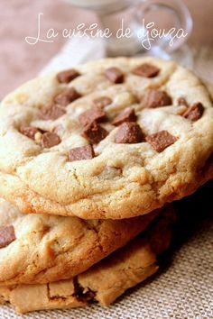 Cookies moelleux americains (recette rapide) - The Best American Recipes Best Chocolate Chip Cookies Recipe, Homemade Cookies, Easy Cookie Recipes, Quick Recipes, Cuban Recipes, American Cookie, Dessert Pizza, Sweet Cookies, Cookies Et Biscuits