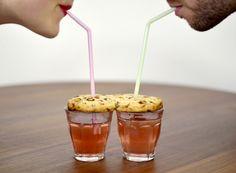 Biennale Internationale Design Saint-Etienne 2015 - Le sens du bon Tea for two, un cookie à consommer à deux, les yeux dans les yeux © Léa Bougeault