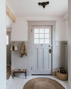 Hallway Ideas Entrance Narrow, Modern Hallway, Grey Hallway, Modern Bathroom, Farmhouse Interior, Farmhouse Plans, Farmhouse Decor, Farmhouse Trim, Modern Farmhouse