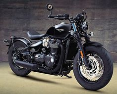 Triumph 1200 Bobber Black