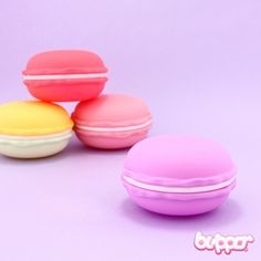 This box looks like a real macaron - so sweet you almost want to take a bite! You can open it and hide something like coins, candies, hair accessories and keys in it. Choose from 4 styles! Lovely and cute!