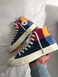 Converse All Star Hi 70 S Uni Gold Green Blue Pink Corduroy Exclusive - Unisex Sports Dr Shoes, Swag Shoes, Hype Shoes, Me Too Shoes, Shoes And Socks, Footwear Shoes, Mode Converse, Converse All Star, Cool Converse High Tops
