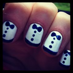 I don't normally go for nail art but I do love this!