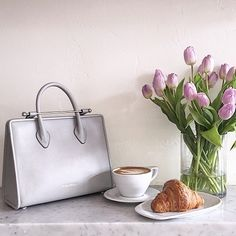 Coffee date with my new love from @strathberry. Love this color for summer
