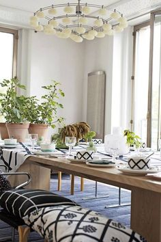 Found on Zillow Digs Outdoor Dining, Dining Bench, Traditional Porch, Marimekko, Scandinavian Design, Home Improvement, Table Settings, Table Decorations, Places