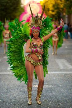 Mardi gras outfits, carnival outfits, caribbean carnival costumes, carnival f Brazilian Carnival Costumes, Carribean Carnival Costumes, Trinidad Carnival, Caribbean Carnival, Rio Carnival, Brazil Carnival Costume, Carnival Signs, Carnival Decorations, Creepy Carnival