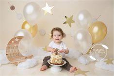 Birthday Cake Smash, First Birthday Cakes, Baby Birthday, Birthday Celebration, Birthday Parties, Cake Eater, Star Cakes, Birthday Photography, First Birthday Photos