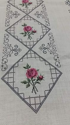 1 million+ Stunning Free Images to Use Anywhere Hardanger Embroidery, Vintage Embroidery, Embroidery Stitches, Hand Embroidery, Embroidery Designs, Cross Stich Patterns Free, Cross Stitch Borders, Cross Stitch Designs, Cross Stitching