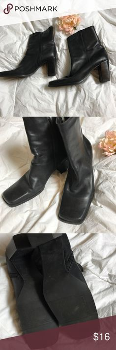 Bandalino ankle boots 😍 Super cute leather boots in great condition size 8 1/2 bandalino ankle boots Shoes Ankle Boots & Booties