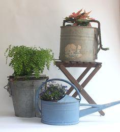 Set of buckets