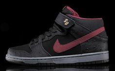 Nike SB Dunk Mid Pro - Black Ostrisch / Cherrywood Red