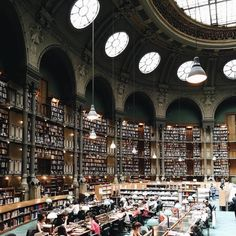 Traveling Photographer Captures Most Beautiful Libraries Around the World - My Modern Met