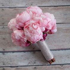 Bling bling! Hello #peonies! By @katesaidyesweddings http://ift.tt/1DWzqgQ #wedding #weddingplanning #weddingday #bride #bridalbouquet #weddingbouquet #bridetobe #ido #blush #pinkpeony #etsy #etsyweddings #etsyweddingteam #proguidevendor