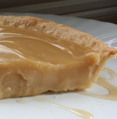 The irresistibly creamy maple syrup pie - Kitchen - Tips and Crafts Desserts Français, Delicious Desserts, Dessert Recipes, Yummy Food, Dessert Tarts Mini, Pie Dessert, Pie Recipes, Sweet Recipes, Cooking Recipes