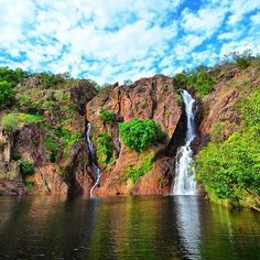 How's this for a postcard-perfect swimming hole in the Northern Territory - Australia's Outback? This pristine spot is Wangi Falls in Litchfield National Park, and you'll find it about 80 kilometres south of Darwin. Perth, Brisbane, Melbourne, What A Beautiful World, Beautiful Places, Litchfield National Park, World Weather, Australian Photography, Lets Run Away