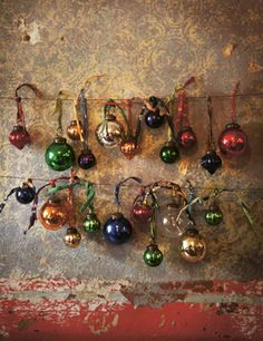 I bought these gorgeous baubles last year from Toast. A very happy customer twas I.