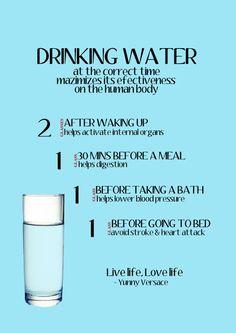 Tomar água na hora certa aumenta os benefícios da substância no corpo 2 copos ao acordar ajuda a ativar os órgãos 1 copo 30 minutos antes de comer ajuda na digestão 1 copo após o banho ajuda a diminuir a pressão arterial 1 copo antes de ir para a cama evita ataques do coração