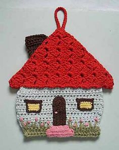 Honeymoon cottage potholder by Lily Mills Company — This. pattern Honeymoon cottage potholder by Lily Mills Company — This. (Mingky Tinky Tiger + the Biddle Diddle Dee) Crochet Potholders, Crochet Motif, Crochet Flowers, Knit Crochet, Crochet Patterns, Knitting Patterns, Vogue Patterns, Sewing Patterns, Crochet Home
