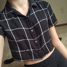 Flannel crop top from LA hearts  Flannel crop top from LA hearts  Fits size small to medium. Barely worn. No stains or flaws. Looking to swap this. { Tags victoriasecret bands grunge twentyonepilots  hairextensions bandmerch necklaces swap trade iso brandymelville americanapparel  bras lingerie wigs makeup eyeliner lipstick hottopic} Tops Crop Tops