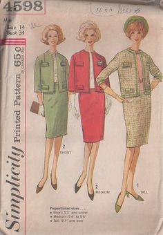 MOMSPatterns Vintage Sewing Patterns - Simplicity 4598 Vintage 60's Sewing Pattern CHIC Jackie O 2 Piece Suit, Clutch Jacket, Slim Skirt, Proportioned Sizes