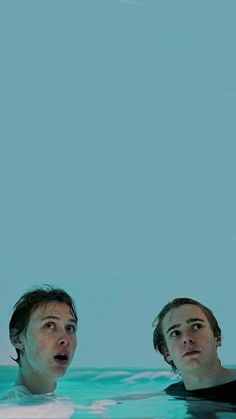 Skam Wallpaper, France Wallpaper, Series Movies, Movies And Tv Shows, Tv Series, Skam Isak, Isak & Even, Cant Breathe, Cute Gay Couples