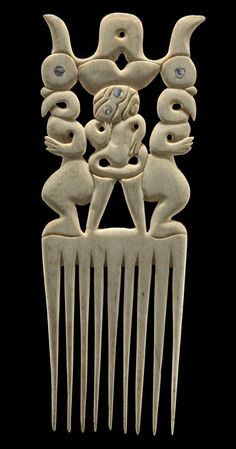 New Zealand | Ornamental comb ~ 'Heru' ~ bone, päua shell | ca. 1850 - 1900 | Collections Online - Museum of New Zealand Te Papa Tongarewa