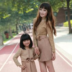 Parent-child time family fashion clothes for mother and daughter 2012 autumn gentlewomen one-piece dress lace decoration classic