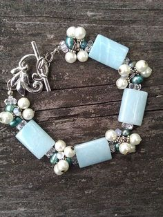 Simple beads adorn article http://www.eozy.com/acrylic-beads-charms