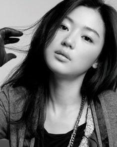 "Jeon Ji-hyun from ""My Love from Another Star"" Hyun Kim, Jun Ji Hyun, Asian Celebrities, Beautiful Celebrities, Korean Star, Korean Girl, Korean Beauty, Asian Beauty, My Sassy Girl"