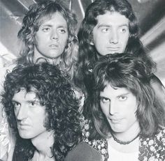 Roger Taylor with curled hair is my new favorite thing Queen Photos, Queen Pictures, Brian May, John Deacon, Save The Queen, I Am A Queen, Queen Queen, Roger Taylor Queen, Ben Hardy