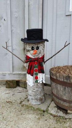 45 Rustic Christmas Decoration Ideas – Christmas World Christmas Wood Crafts, Christmas Porch, Snowman Crafts, Tree Crafts, Outdoor Christmas Decorations, Rustic Christmas, Christmas Projects, Holiday Crafts, Christmas Time