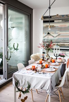 Meine kleine Winter Lounge - Dekoration für die kalten Tage: the-shopazine.de Lounge, Building A House, Table Settings, Table Decorations, Dining, Winter, Dreams, Furniture, Home Decor