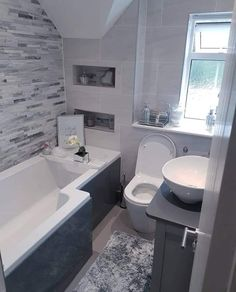 Dream Home Design, House Design, Minimalist Small Bathrooms, Living Style, Bathroom Design Luxury, Bathroom Layout, House Rooms, Bathroom Inspiration, New Homes