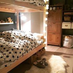 秋冬インテリアにムートンを♡ふわふわアイテムで温かく過ごそう! Casa Kids, Toddler Bed, Bedroom, Furniture, Home Decor, Bedrooms, Child Bed, Decoration Home, Room Decor