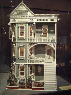悸动人心的娃娃屋
