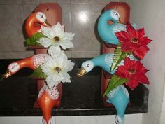 Clay Fairy House, Clay Fairies, Dinosaur Stuffed Animal, Toys, Animals, Ideas, Paper, Pottery Designs, Painted Pottery