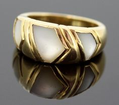 Currently at the #Catawiki auctions: Bvlgari - 18K Yellow gold ring with white quartz, Italy 1970 - Size UK: N US:...