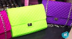 Carteras de Excentrix. Bling Purses, New Wardrobe, Neon Colors, Fasion, Chanel, Shoulder Bag, Handbags, Princess, Stylish
